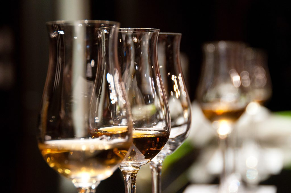 ideal wine company - host an online wine tasting